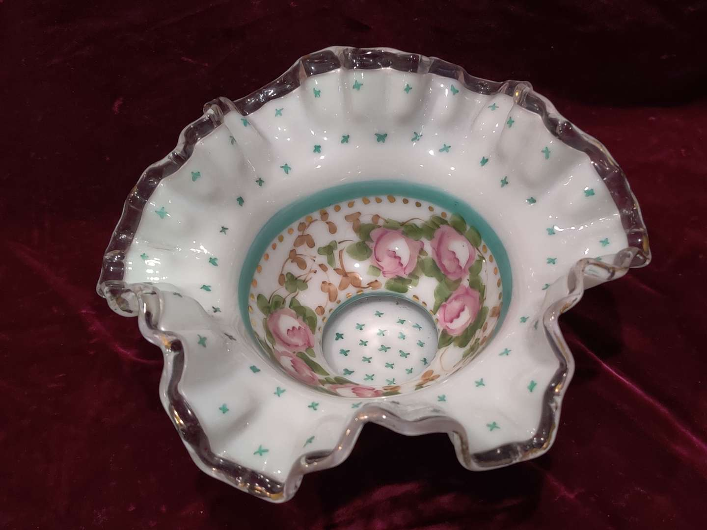 # 49 early Fenton hand-painted ruffle edge bowl 7.5 in wide and an excellent condition