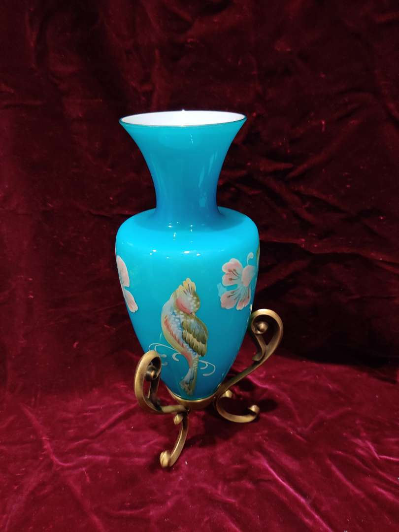 # 63 Fenton landmark collection Blue amphora vase with metal base 10.5 in tall excellent condition