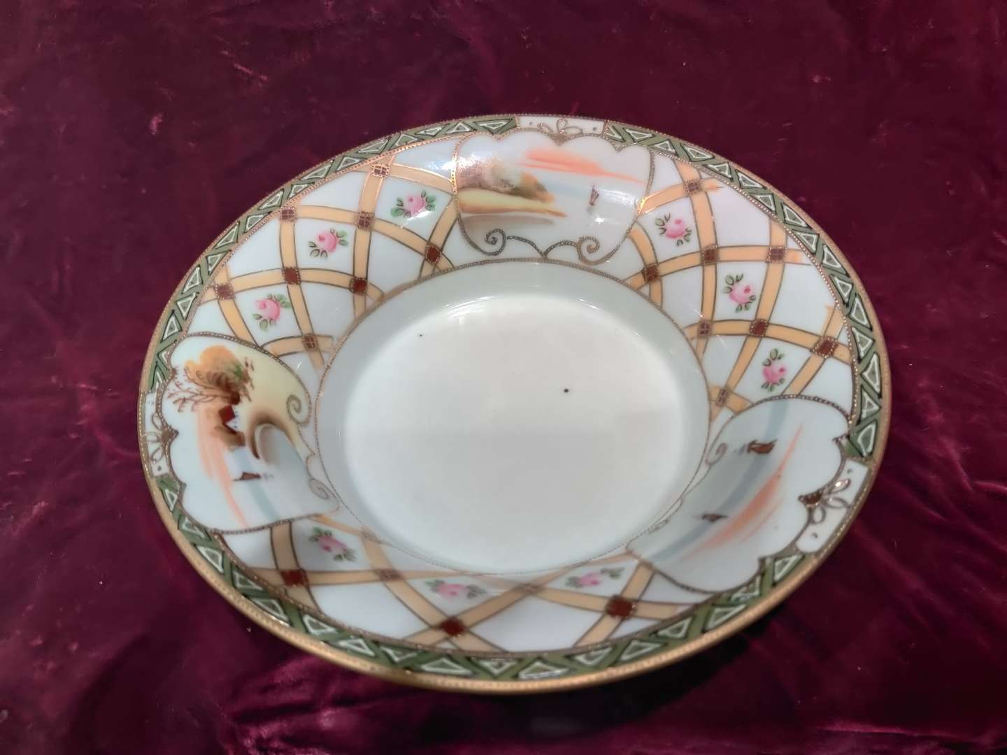 # 73 hand painted early imperial Nippon porcelain bowl 7.5 in in excellent condition