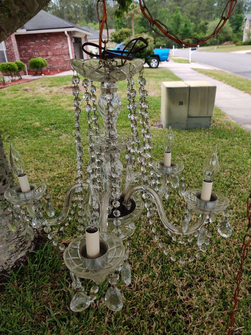 # 77 very nice vintage Crystal chandelier with prisms and plug into the wall