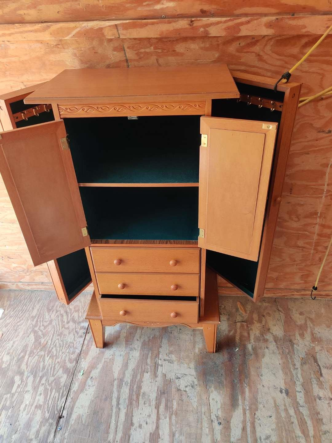 # 78 very nice jewelry armoire top lifts up both sides of open