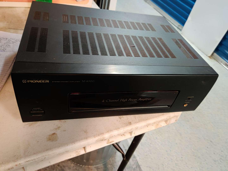 # 86 pioneer power amplifier 320 Watts m-4000 model  works great