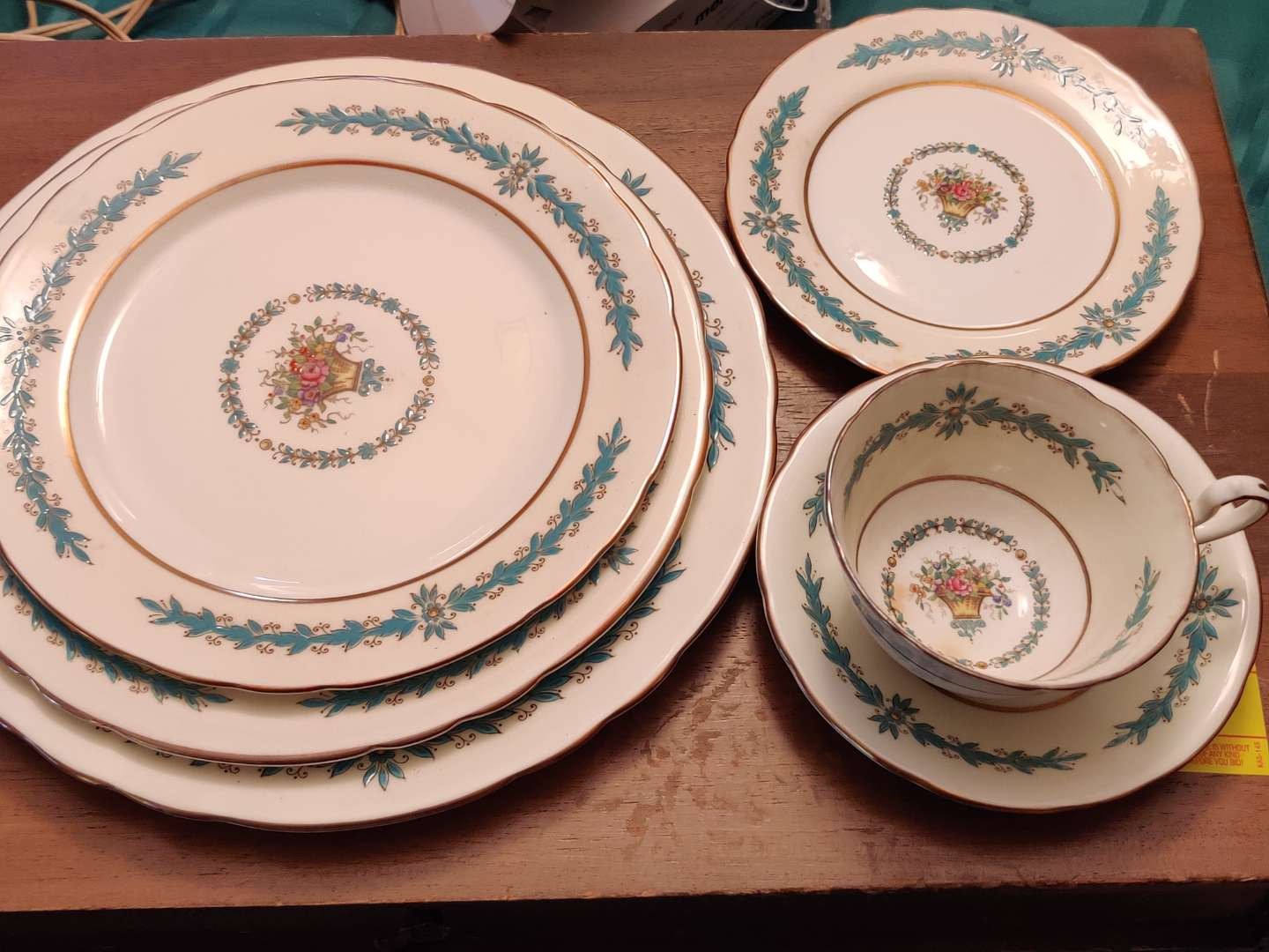 # 140 Aynsley Cambridge pattern China six pieces in great condition
