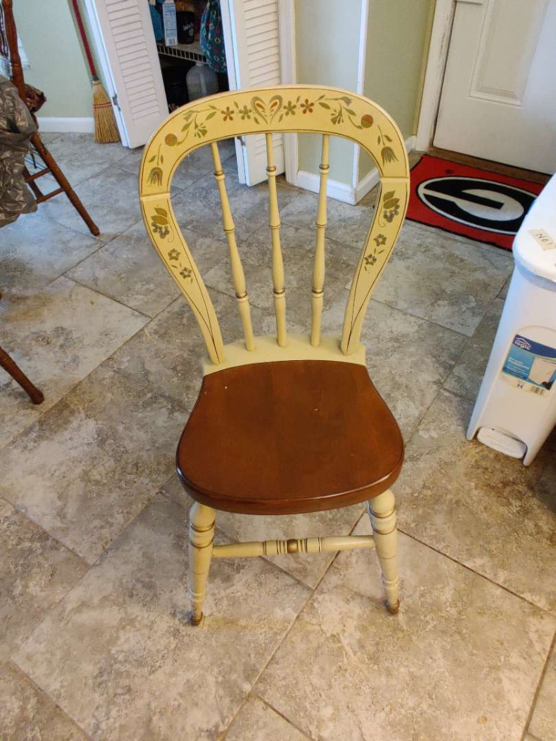 # 145 Ethan Allen Hitchcock style chair great condition