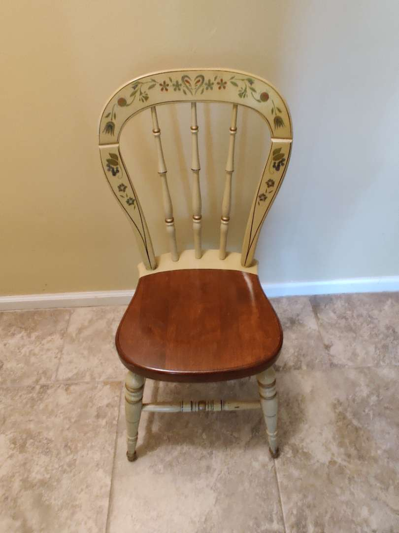 # 147 Ethan Allen Hitchcock style chair great condition