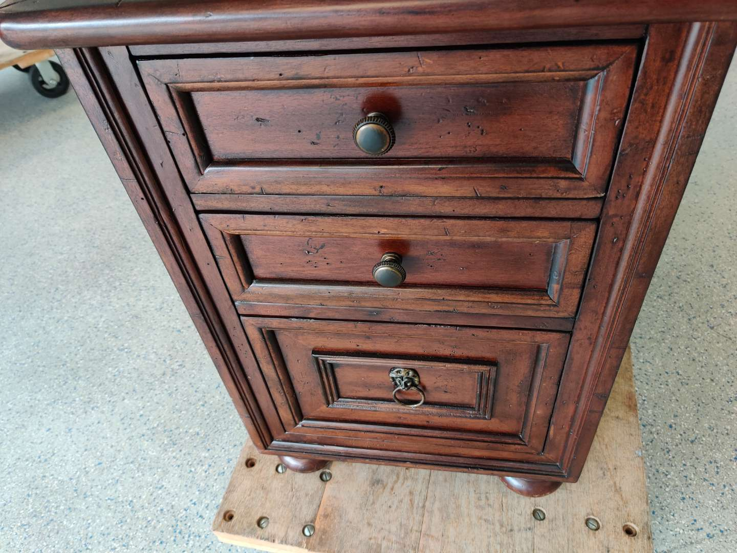# 161 havertys 3 drawer mahogany chest nightstand 28 in tall 25 inches deep 19 inches wide