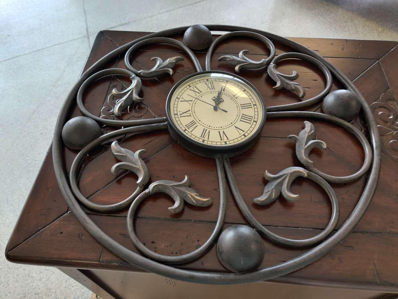 # 163 20-in metal quartz clock