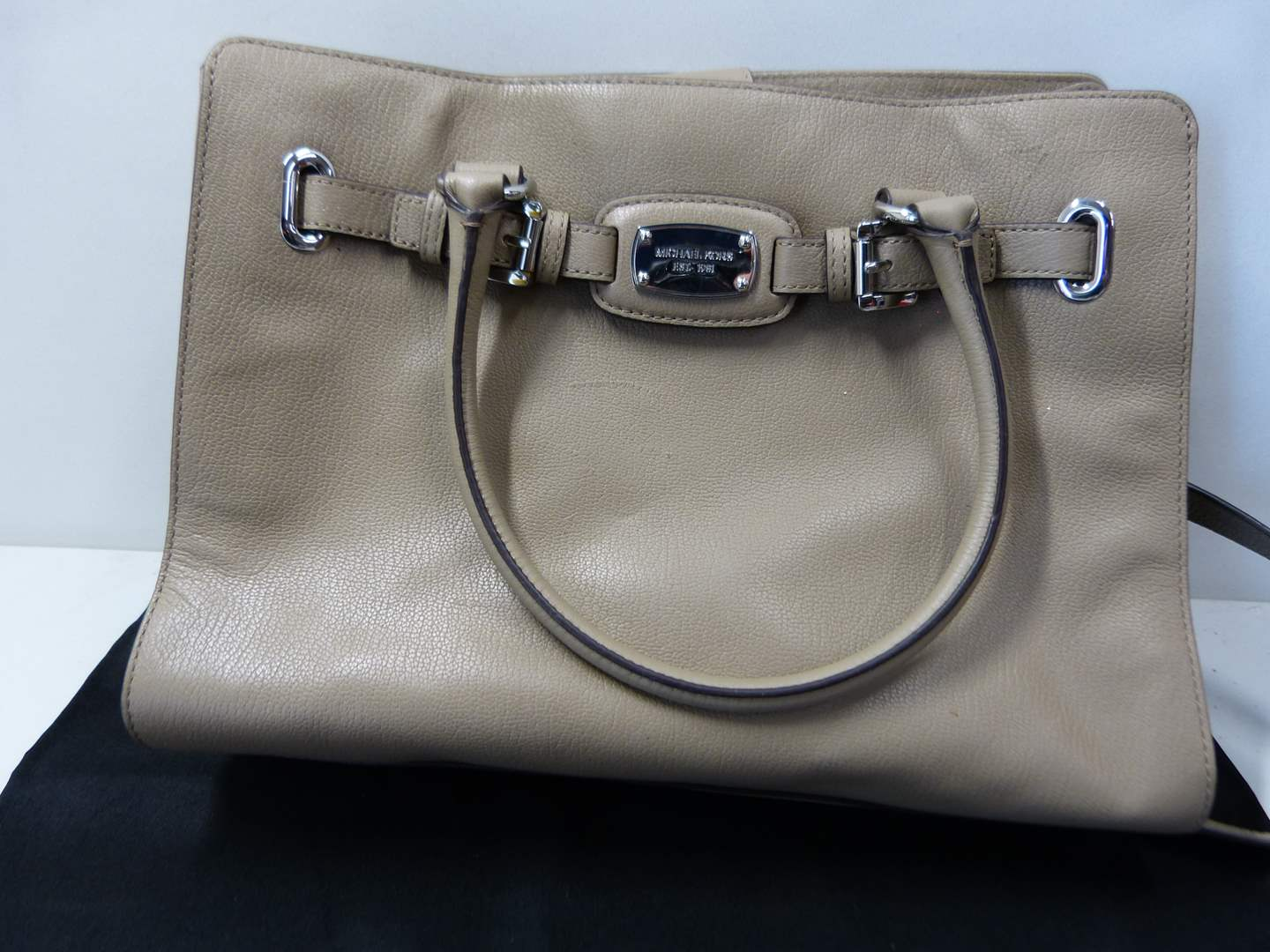 Lot # 201  AUTHENTIC Michael Kors bag (see pictures for description and size) (main image)