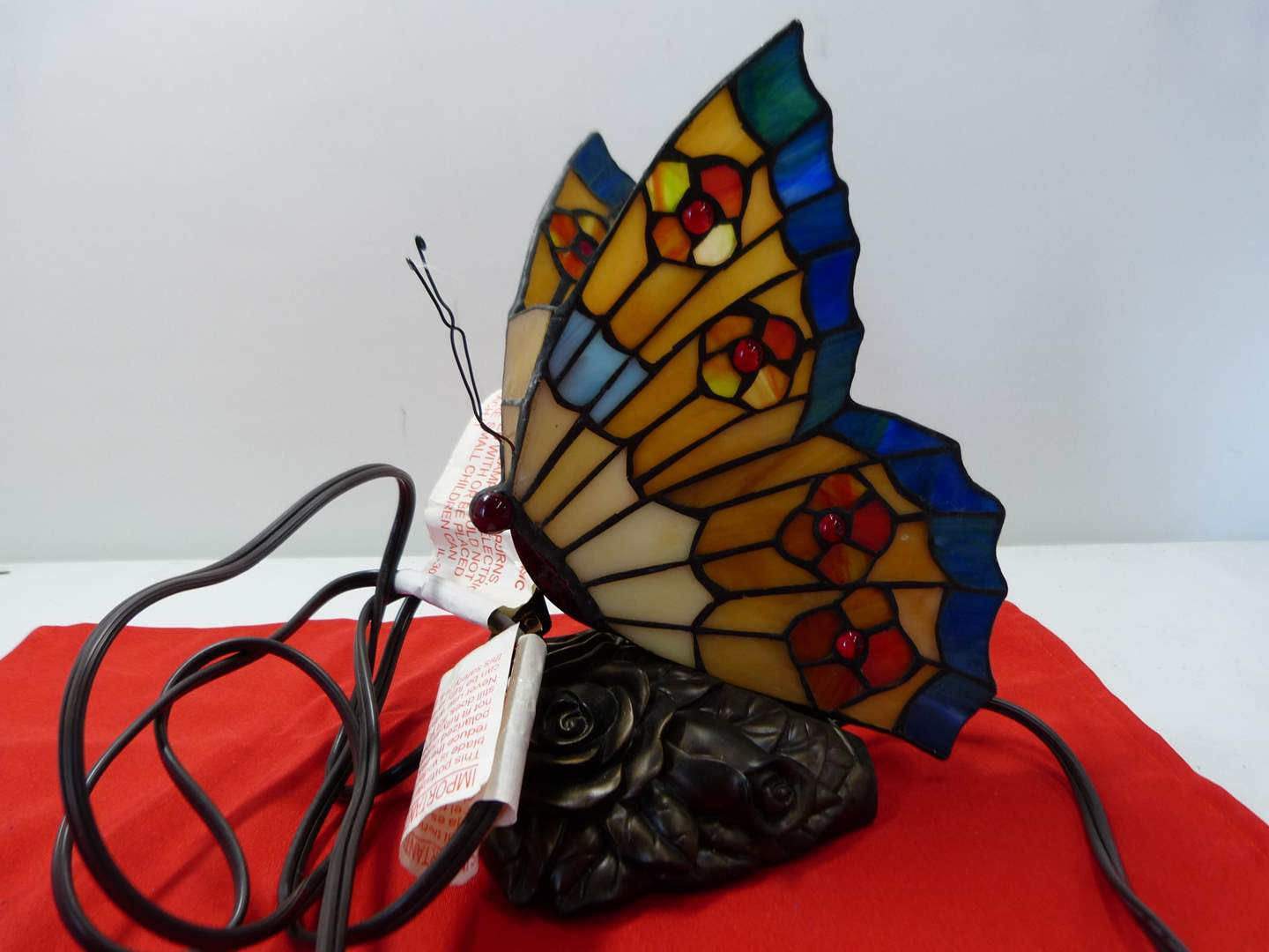 Lot # 222  Cute butterfly table lamp (main image)
