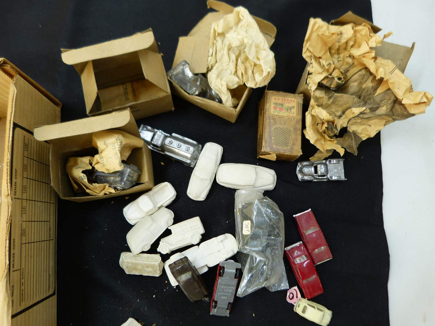 Lot # 255  Lot of HO Train accessories (if you are a train person check out all the lots)