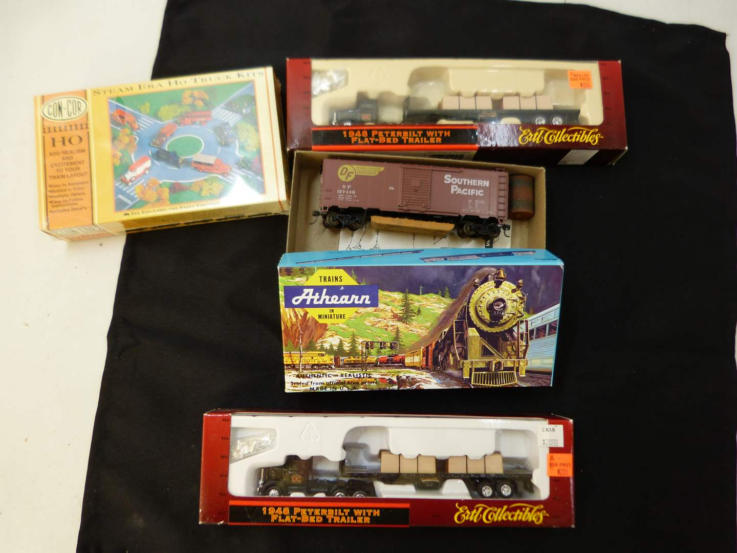Lot # 260   New never put together HO train truck accessories (main image)