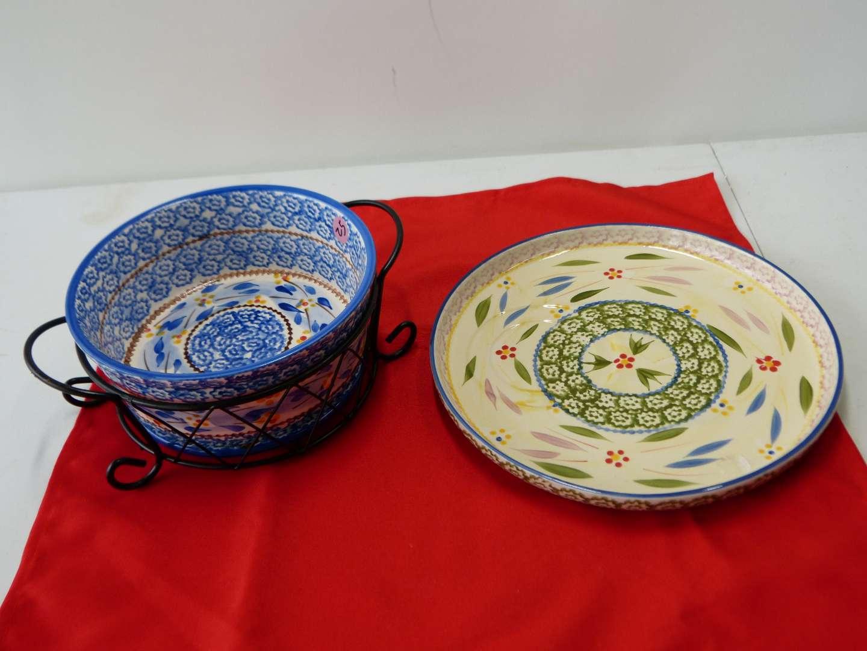 Lot # 43  Nice Temptations bowl with metal holder & side snack platter