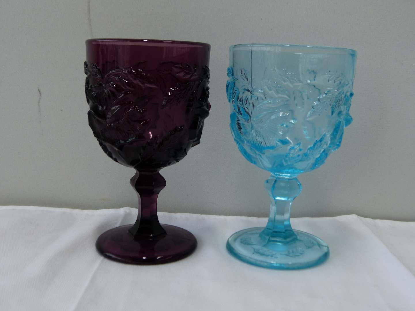 Lot # 69   2 FENTON Madonna Inn glasses (guaranteed Fenton) (main image)