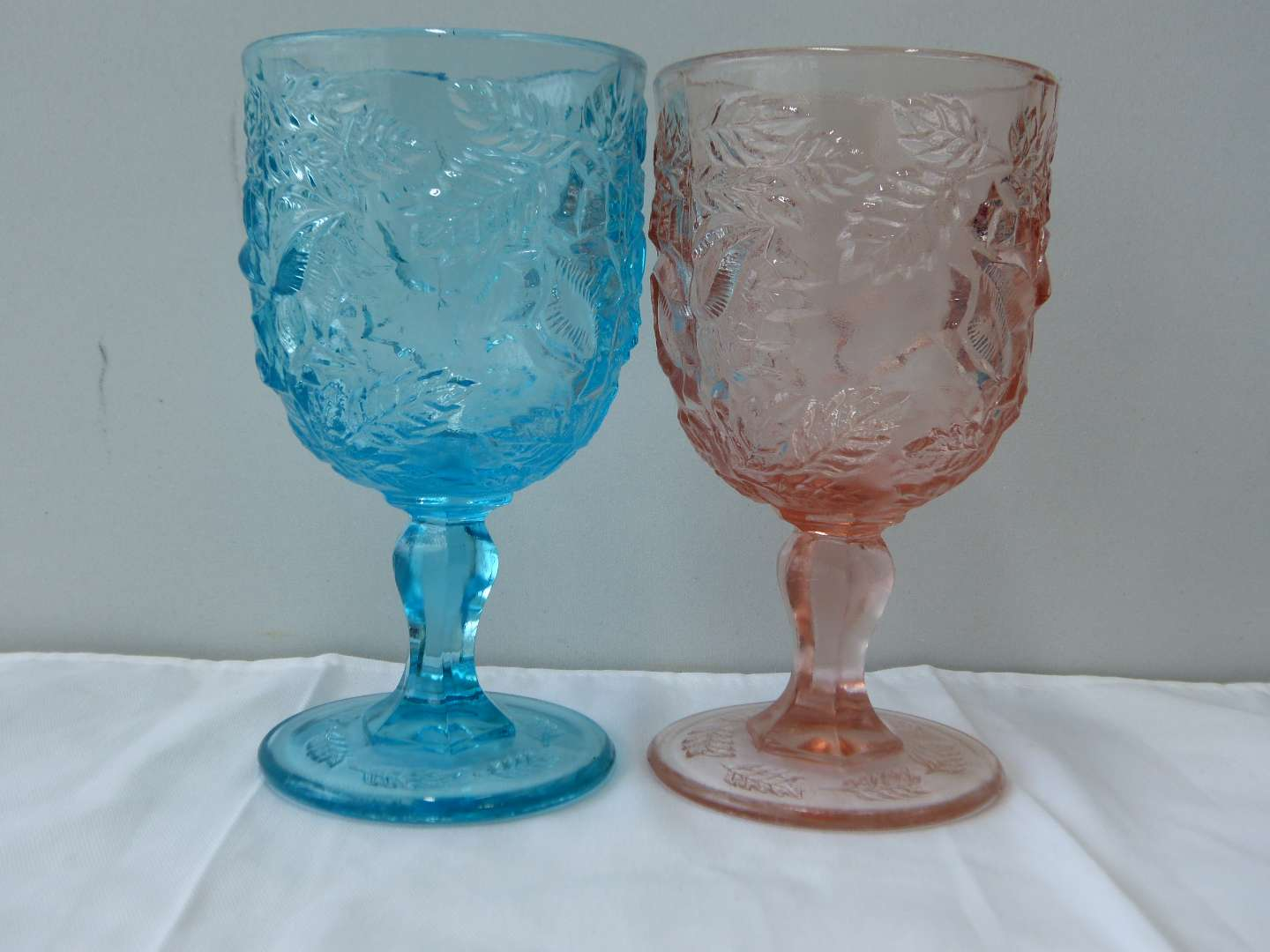 Lot # 72   2 FENTON Madonna Inn glasses (guaranteed Fenton) (main image)