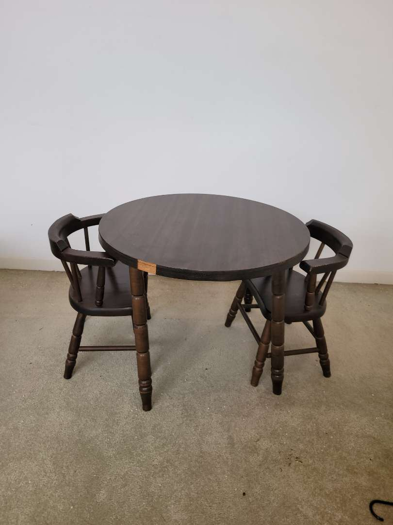 Lot # 10 Vintage Wood Kids Table & Chairs