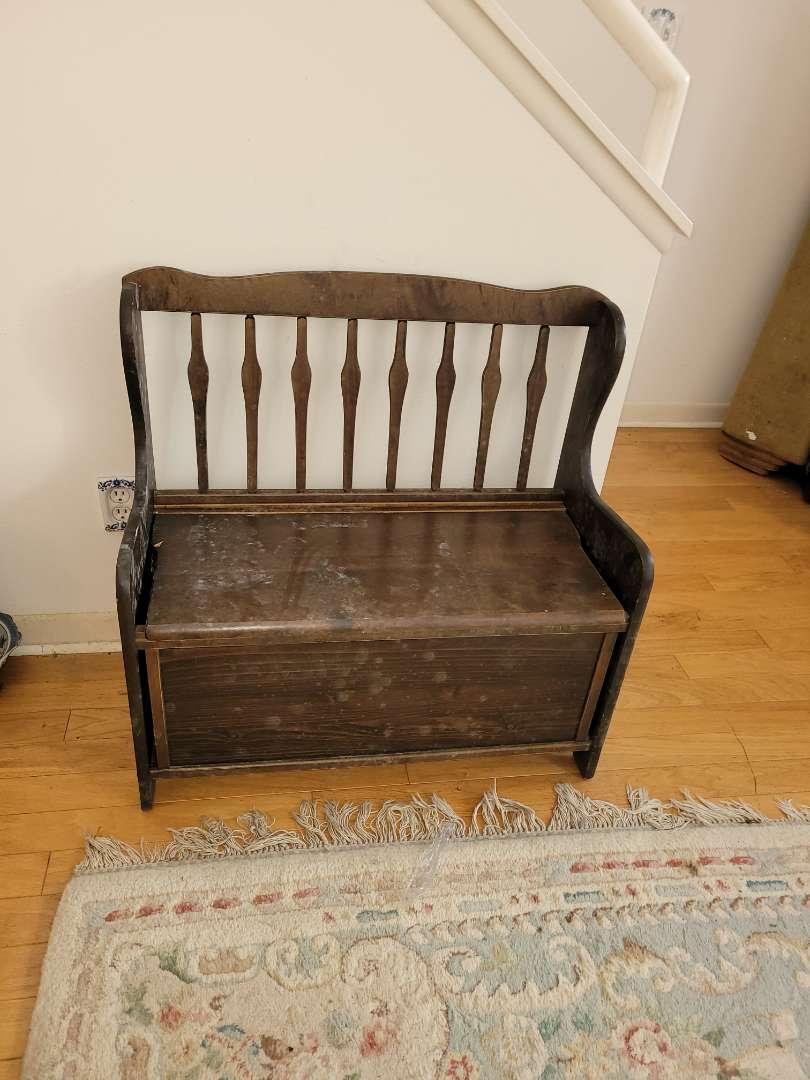 Lot # 29 Oak Hills Wood Kids Bench w/ Storage