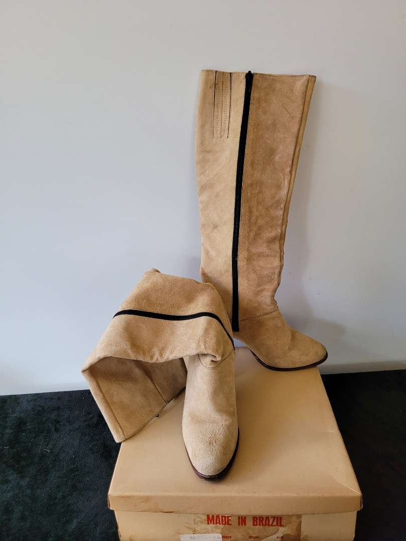 Lot # 75 Women's Boots - Made In Brazil - Size 6B