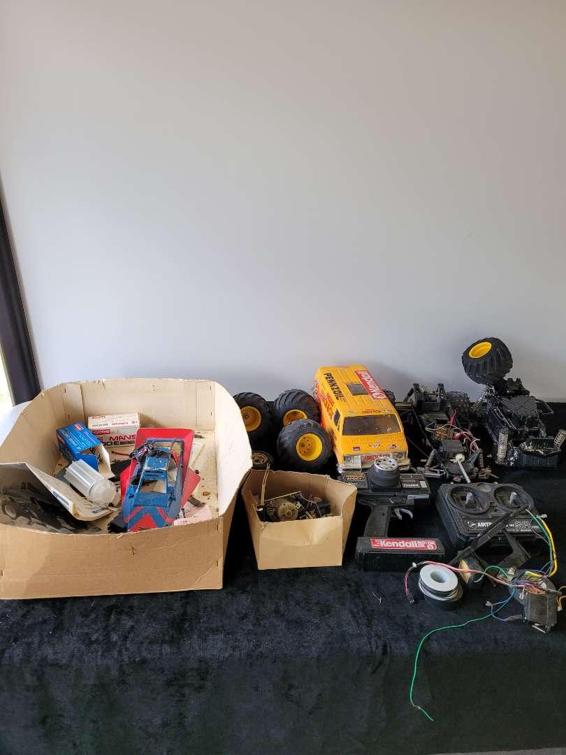 Lot # 87 RC Car Pieces & Parts