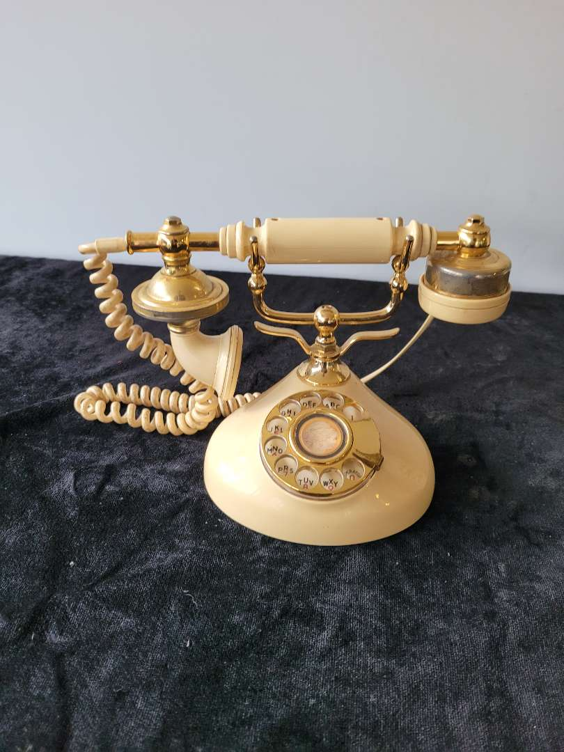 Lot # 88 Vintage Style Rotary Phone