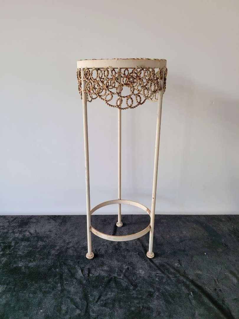 Lot # 98 Decorative Metal Plant Stand