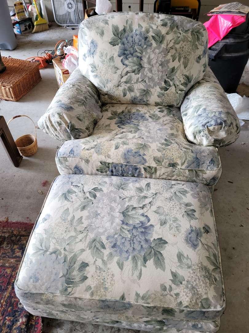 Lot # 101 Large Livingroom Chair w/ Ottoman