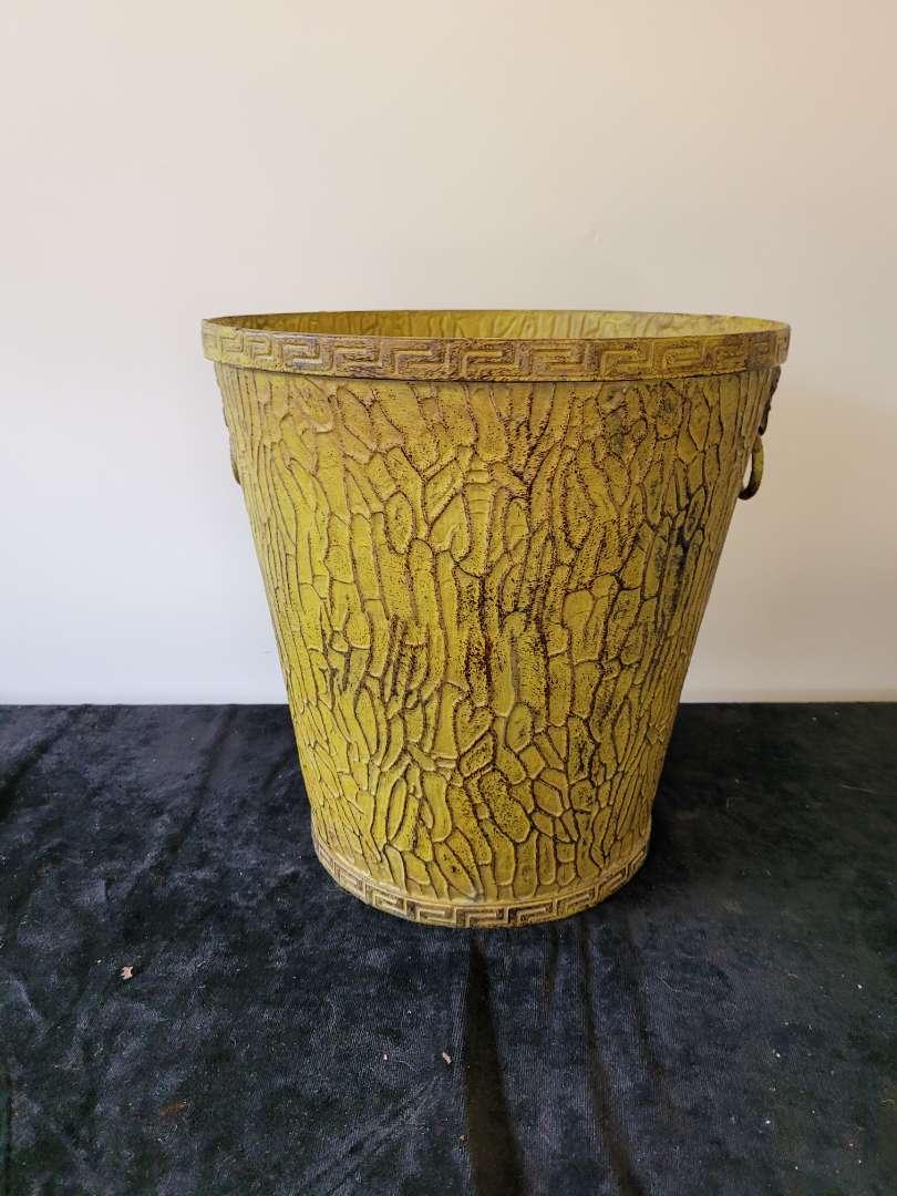 Lot # 123 Vintage Metal Trashcan