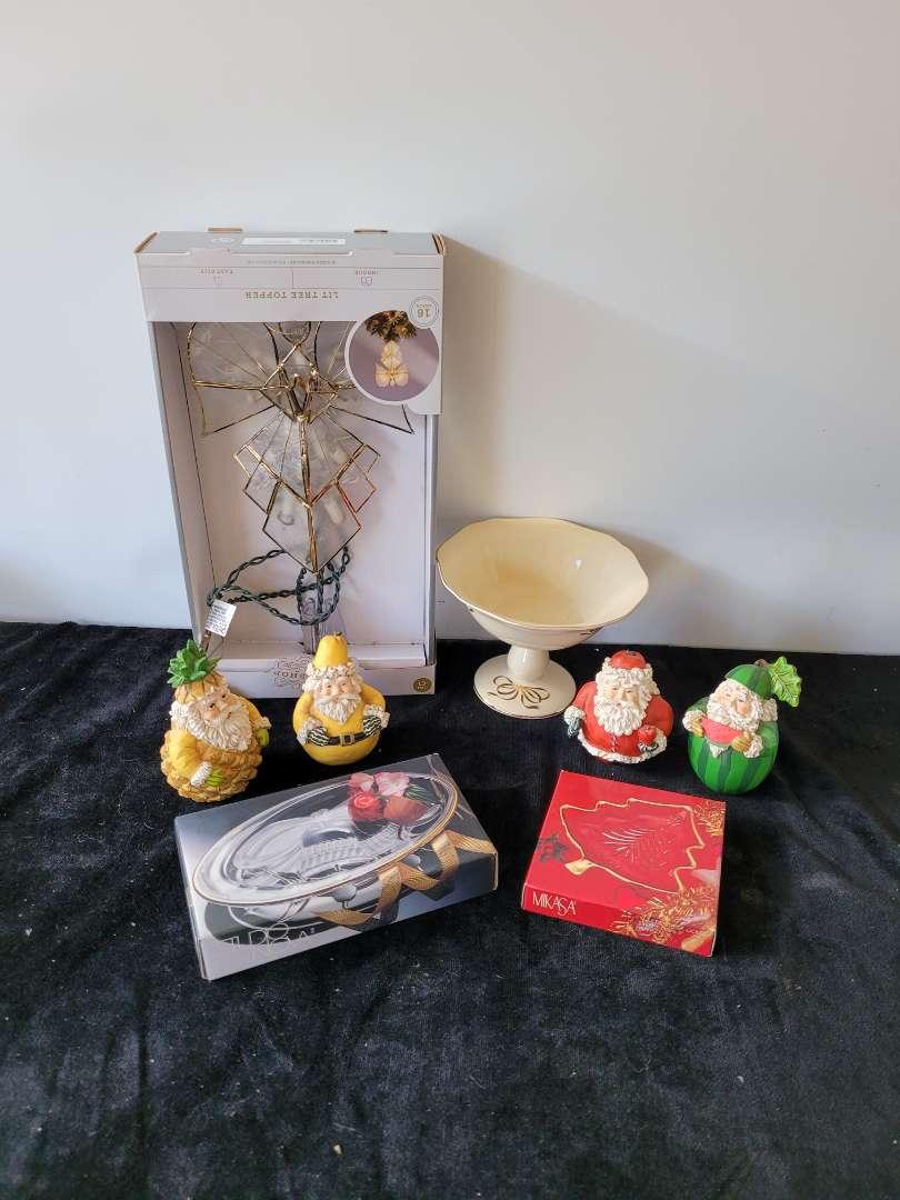 Lot # 175 Vintage Christmas Items