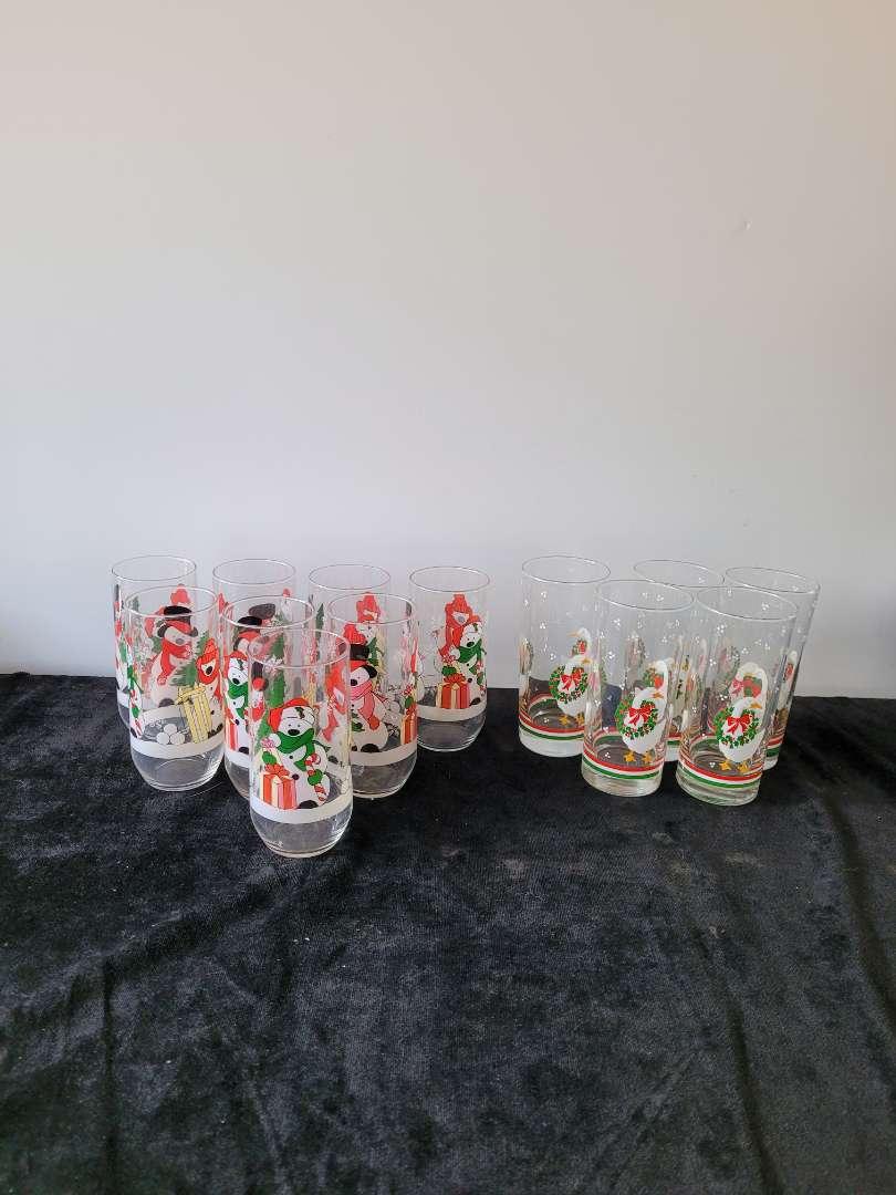 Lot # 176 (12) Vintage Christmas Drinking Glasses