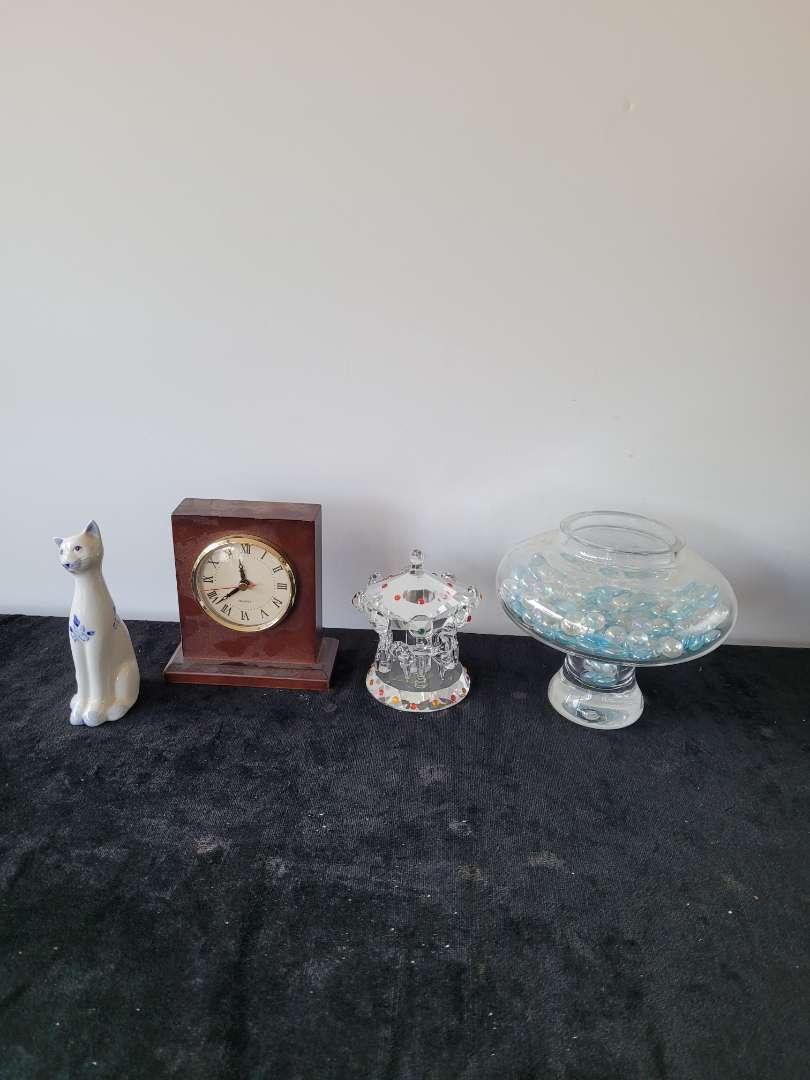 Lot # 179 Home Decor - Crystal Sculpture, Porcleain Cat, Desk Clock & More