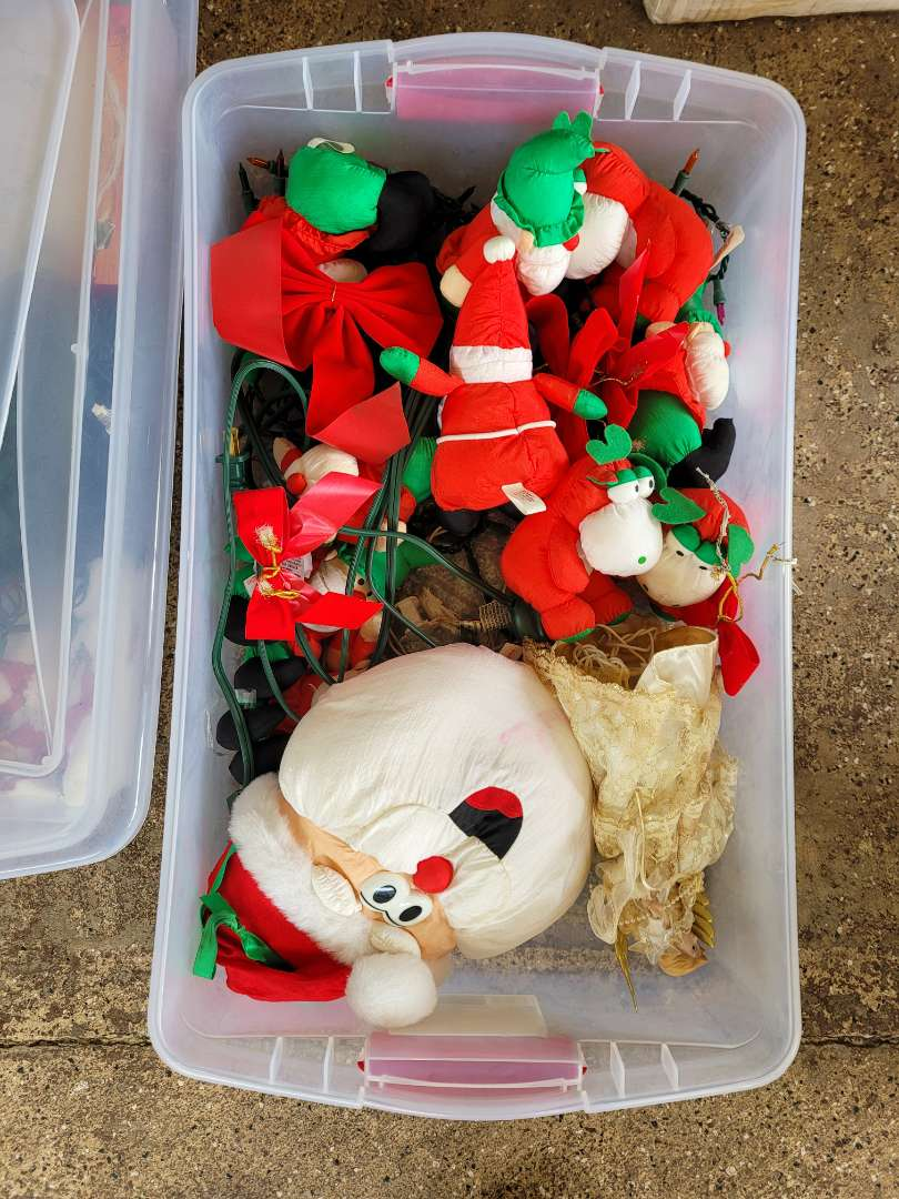 Lot # 230 Christmas Plushes & Lights w/ Storage Container