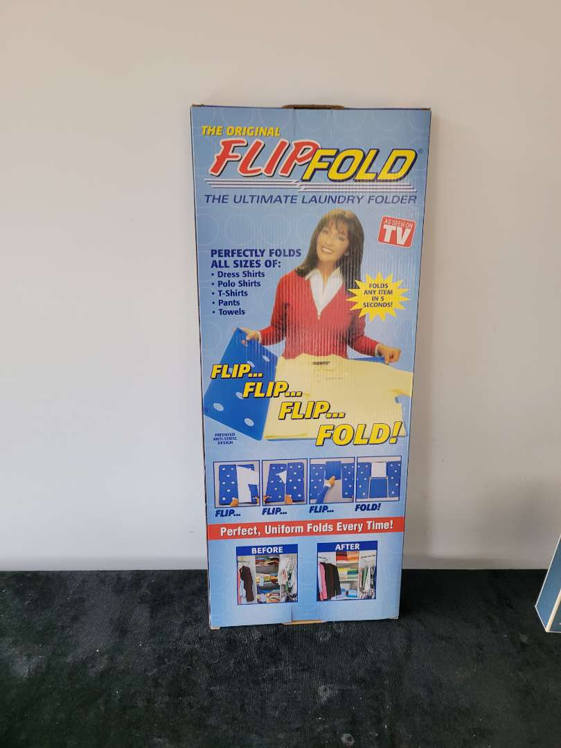 Lot # 232 Flip and Fold - NIB