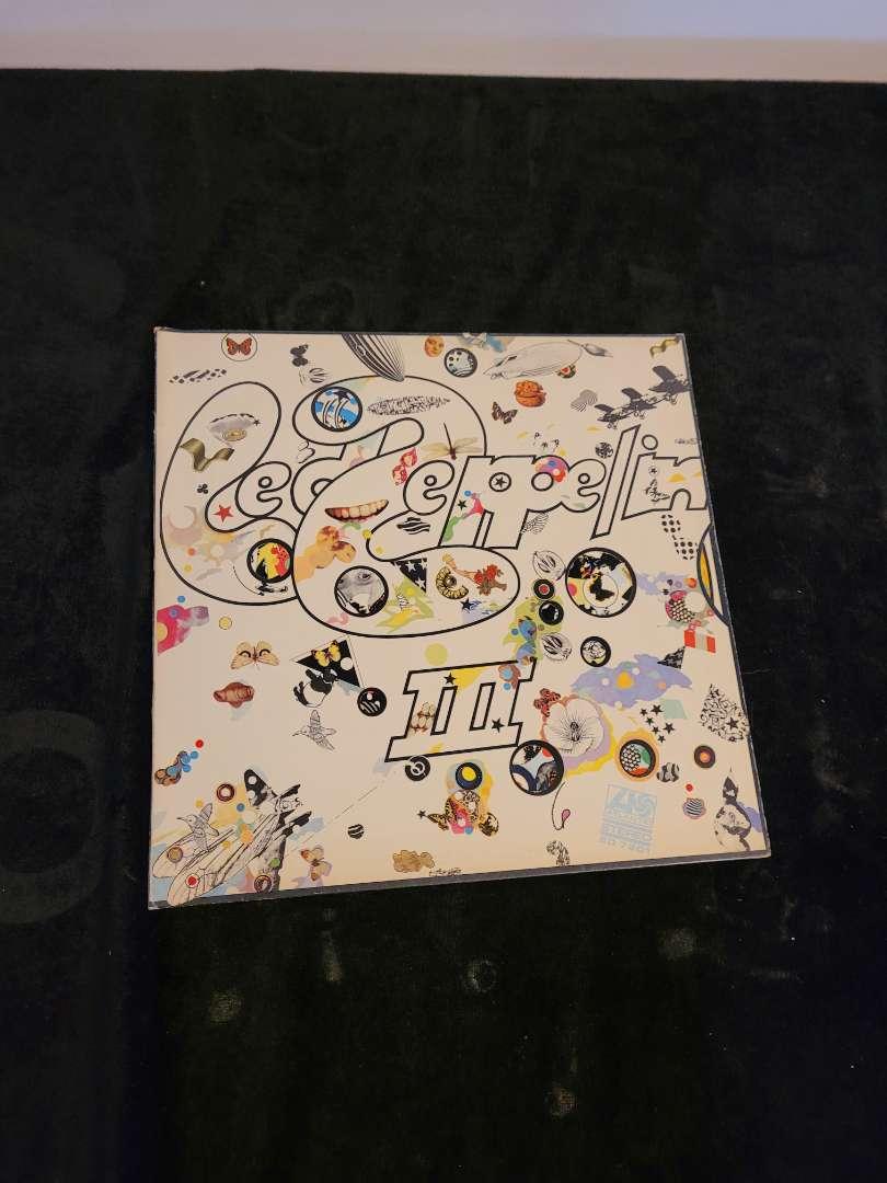 Lot # 255 Vintage LED Zeppelin 3 Album