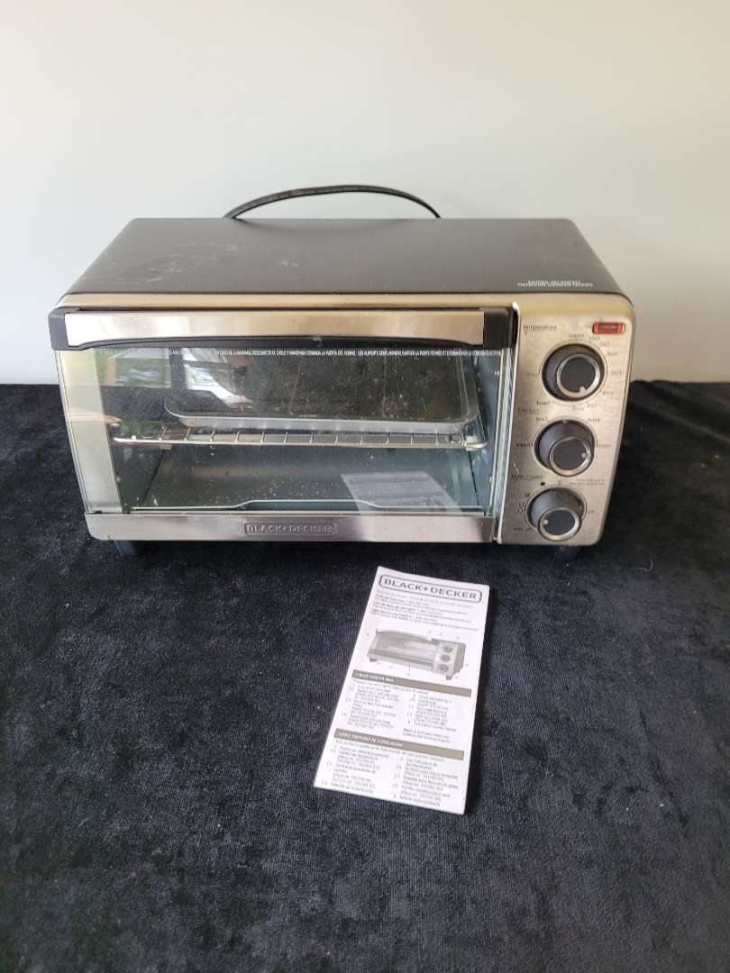 Lot # 277 Black and Decker Toaster Oven