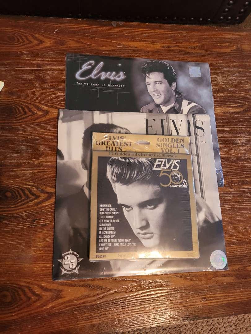 Lot # 308 (2) 2002 Elvis Calendars & Gold Colored Disk Set