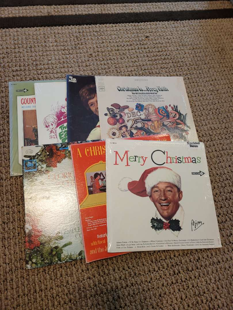Lot # 322 Assorted Vintage Holiday Records