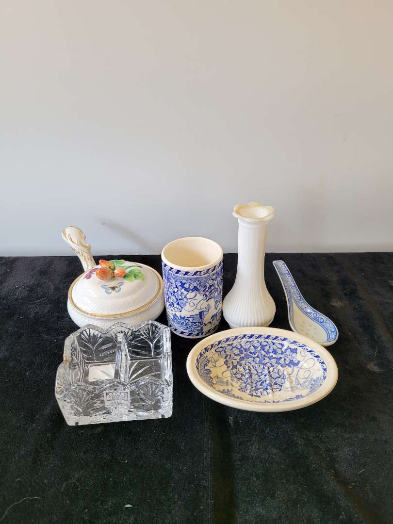 Lot # 365 Home Decor Items