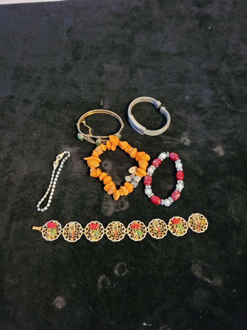 Lot # 376 (6) Bracelets