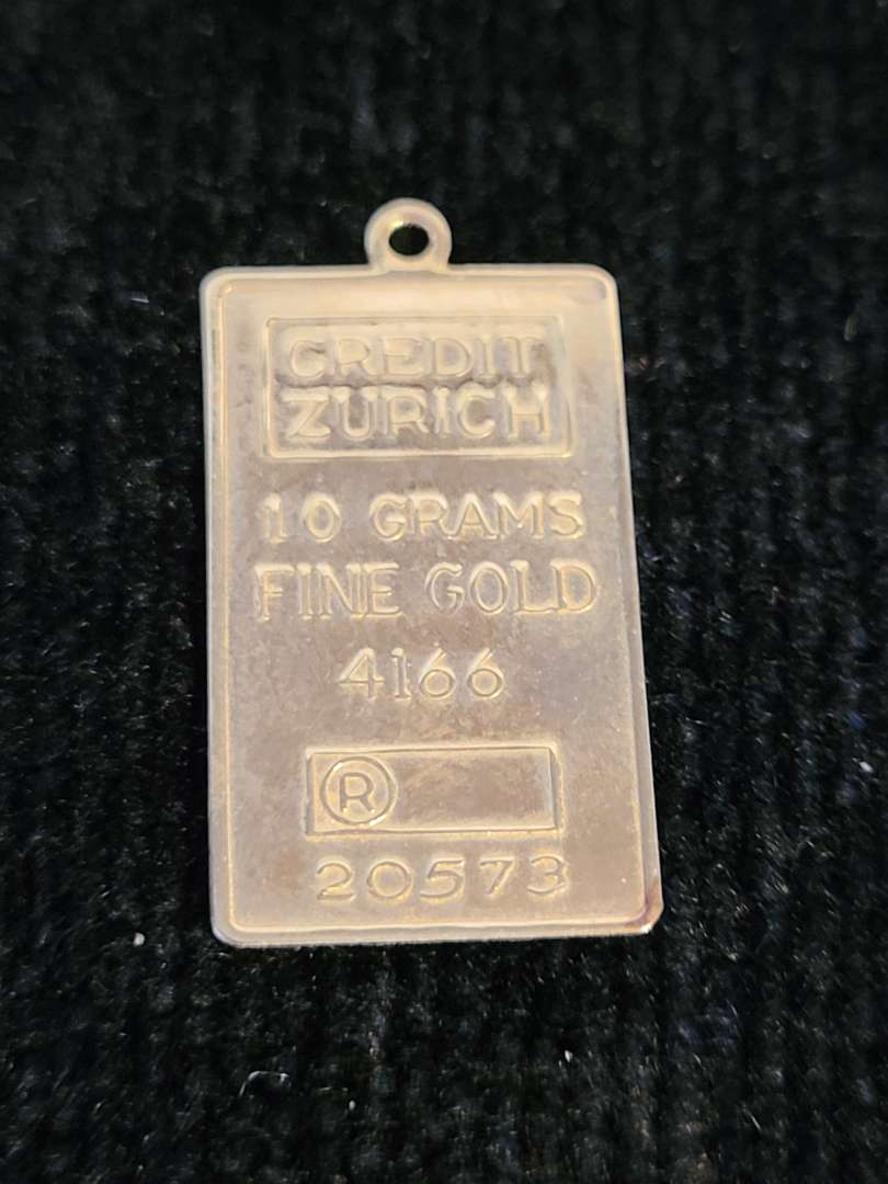Lot # 384 10K Gold Charm - TW is 1g