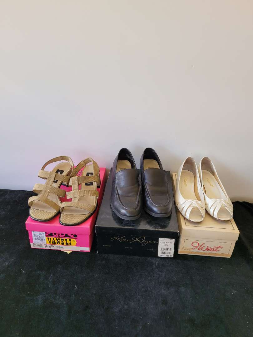 Lot # 390 (3) Pairs of Woman's Shoes - All size 6