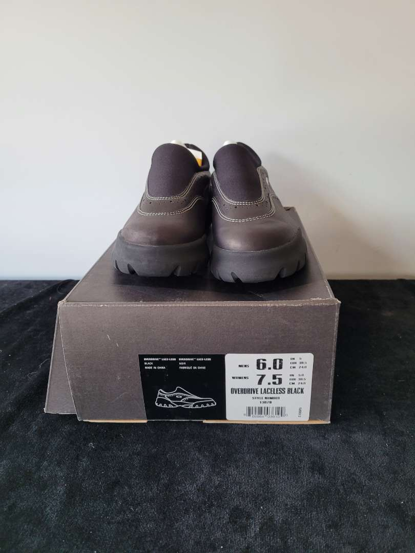 Lot # 391 Oakley Overdrive Laceless Shoes - Size 6 - NIB