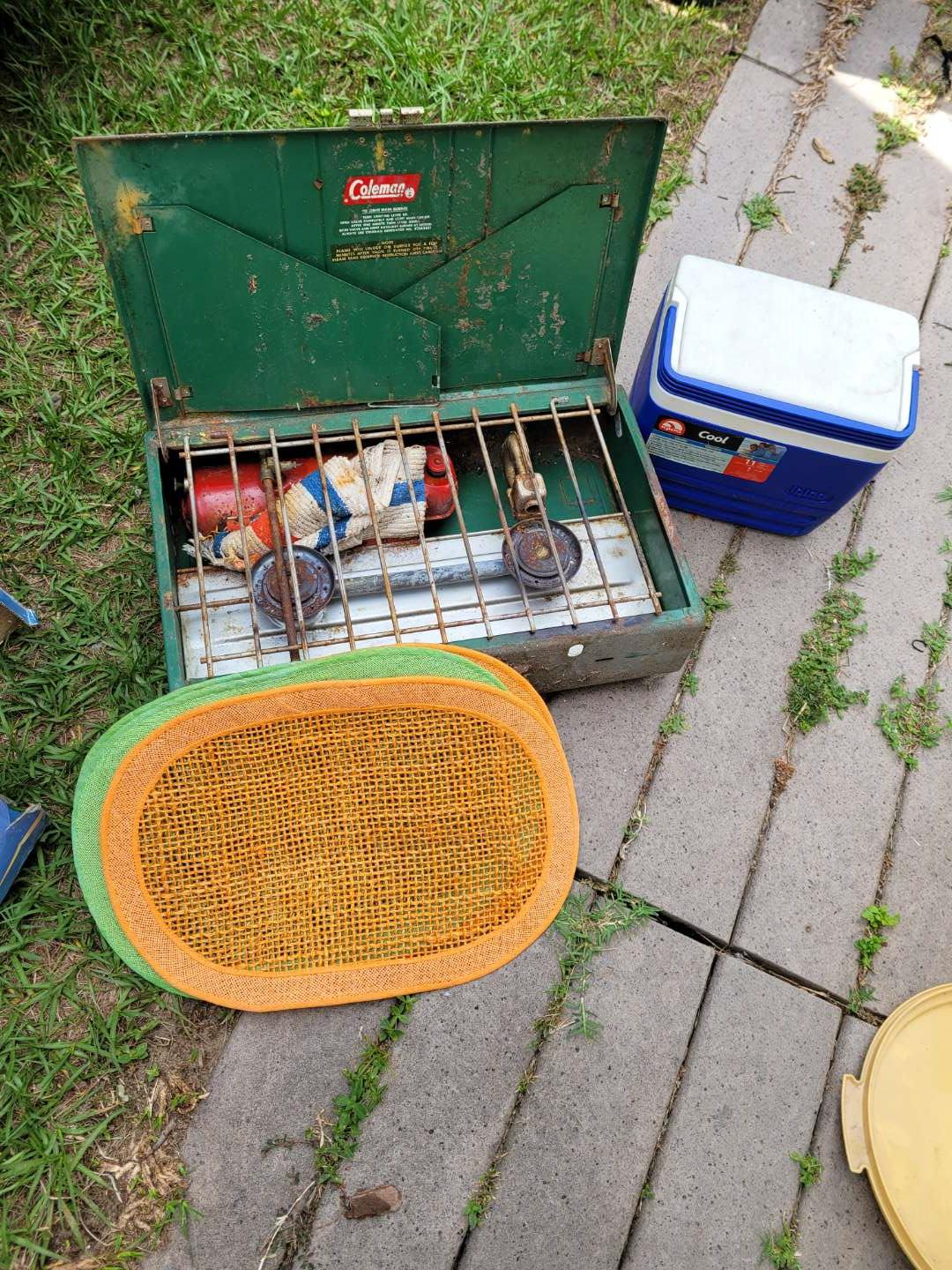 Lot # 401 Vintage Coleman Camping Stove, Placemats & Cooler