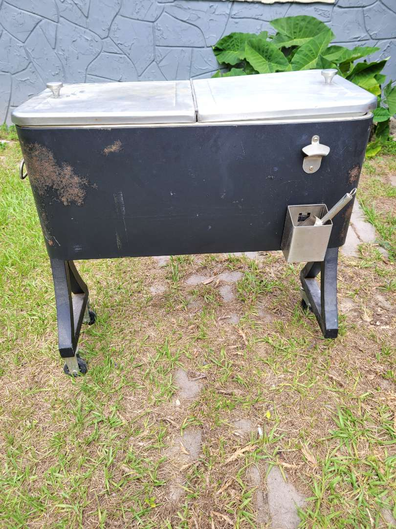 Lot # 405 Vintage Metal Rolling Cooler