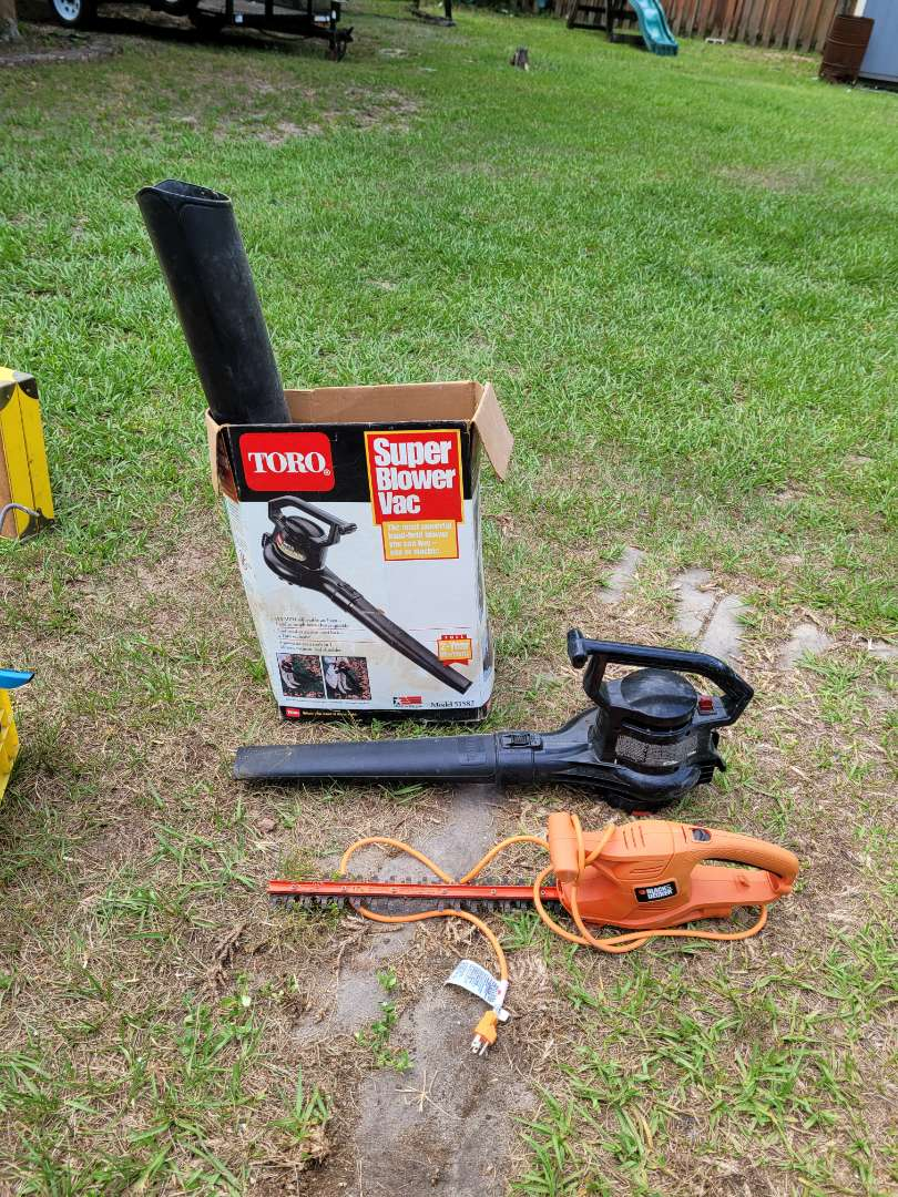 Lot # 407 Electric Blower & Hedge Trimmer
