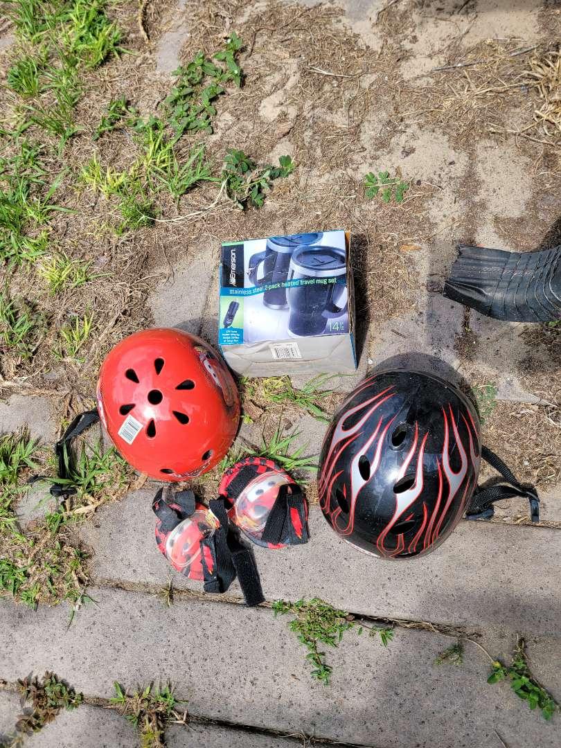 Lot # 412 Kids Bicycle Helmets, Pads & Travel Mug