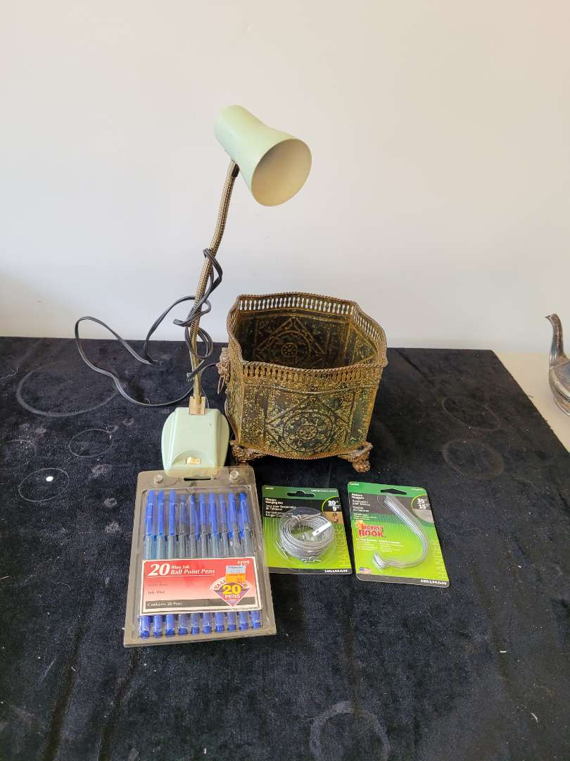 Lot # 423 Office & Home Supplies