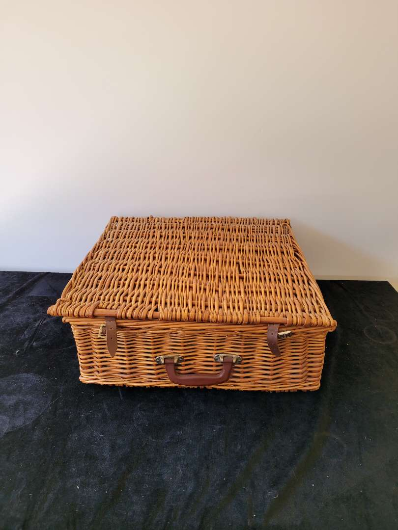 Lot # 436 Large Vintage Picnic Basket w/ 3 Vintage Thermos/Containers - See pics