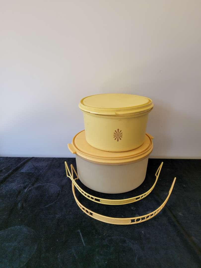 Lot # 437 (2) Vintage Tupperware Cake Carriers