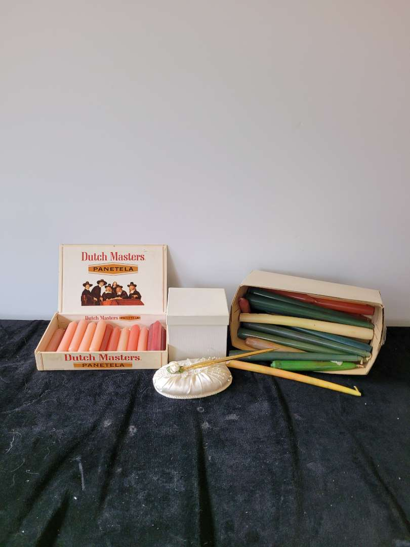 Lot # 452 Candles & Wedding Pen