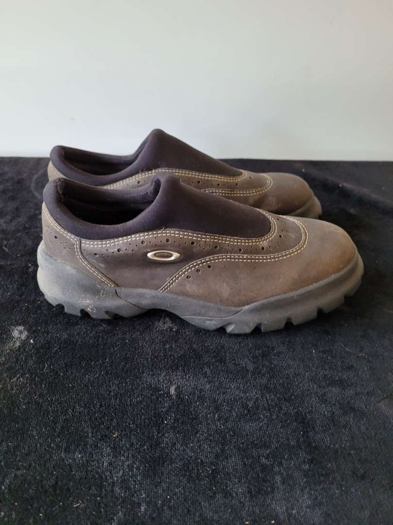 Lot # 454 Oakley Shoes - Size 7.5