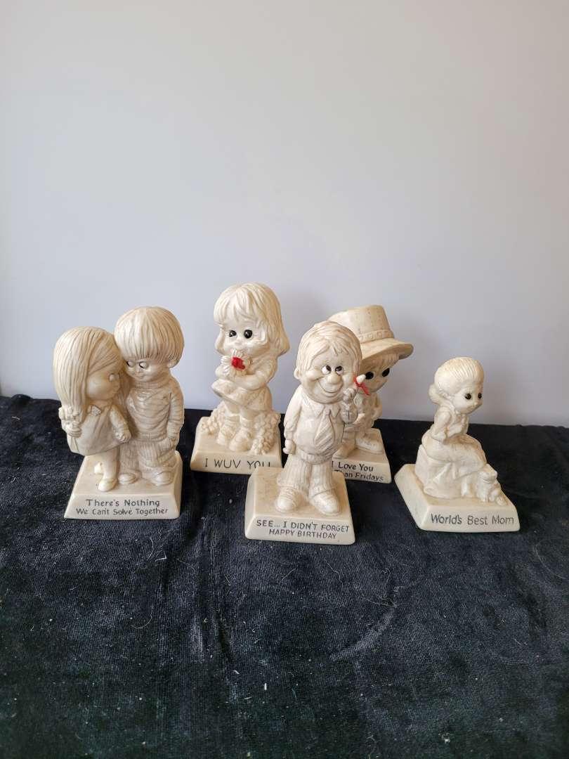 Lot # 457 (5) Vintage 1970s R & W Berries Figurines